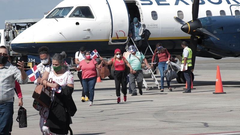 Ministerio informa que llegaron 327 mil turistas al país en el mes abril - Precisión - Con la información precisa